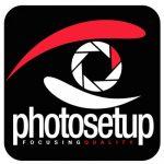 Photosetup logo ALB verticala pe NEGRU
